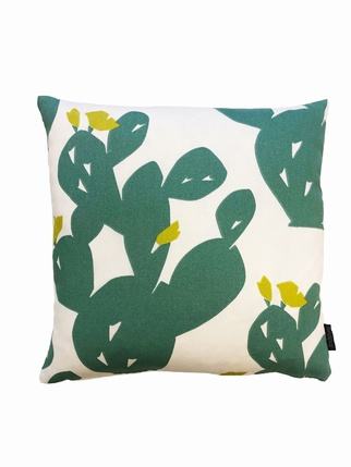 Cactus flower cushion/cover Living > Cushion covers