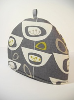 Retro seed head Tea Cosy - Grey